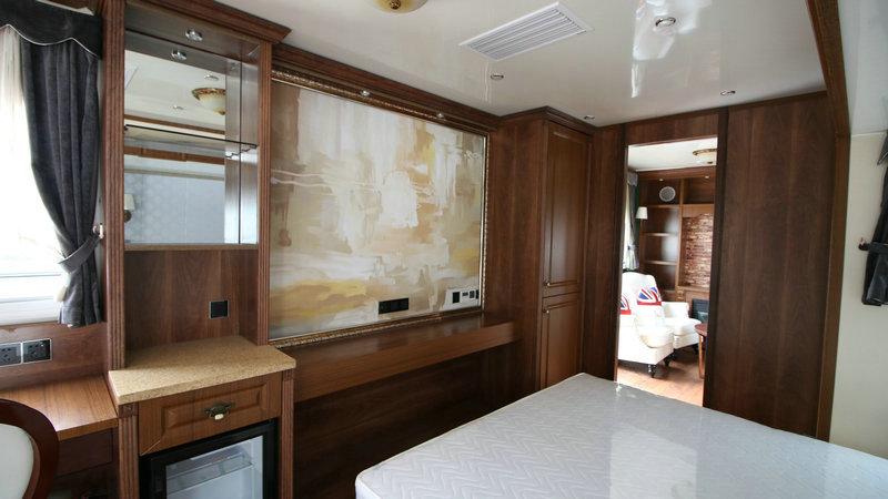 13米商务营地房车一室一厅vip定制版 大图7