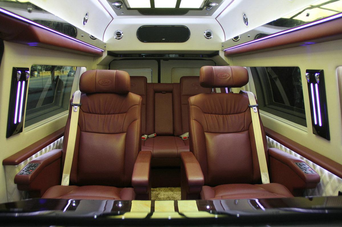 进口四驱商务车福特e350 大图12