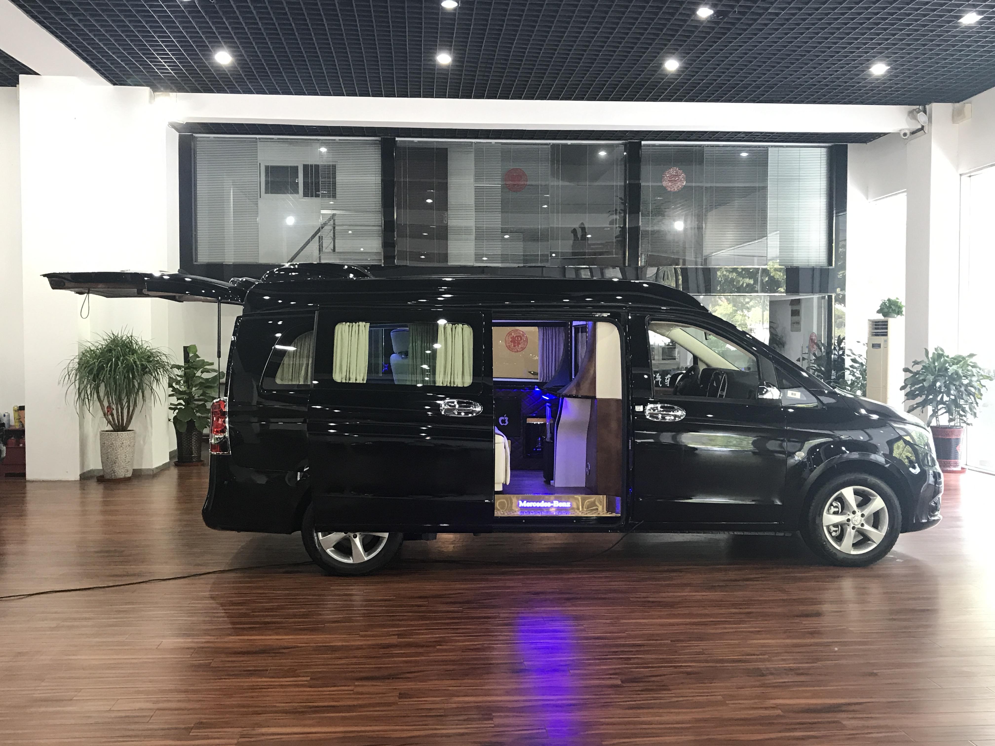 福建奔驰v级商务车 7座威霆改装 大图1