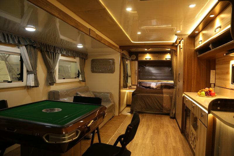10米营地麻将房车 露营娱乐房车