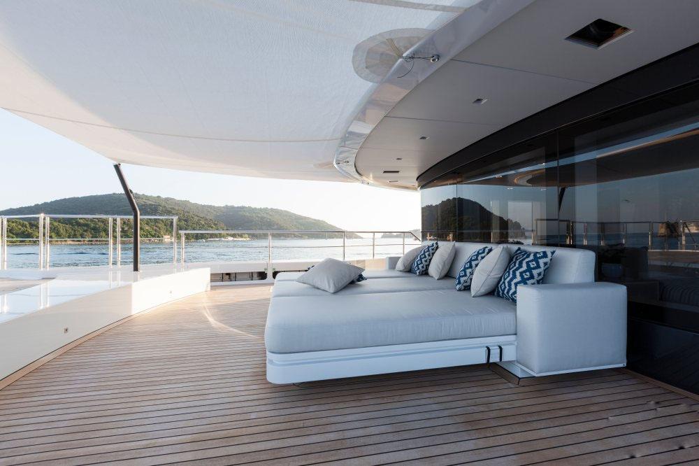 私人游艇意大利混合动力艇 Admiral Quinta Essentia55米 大图7