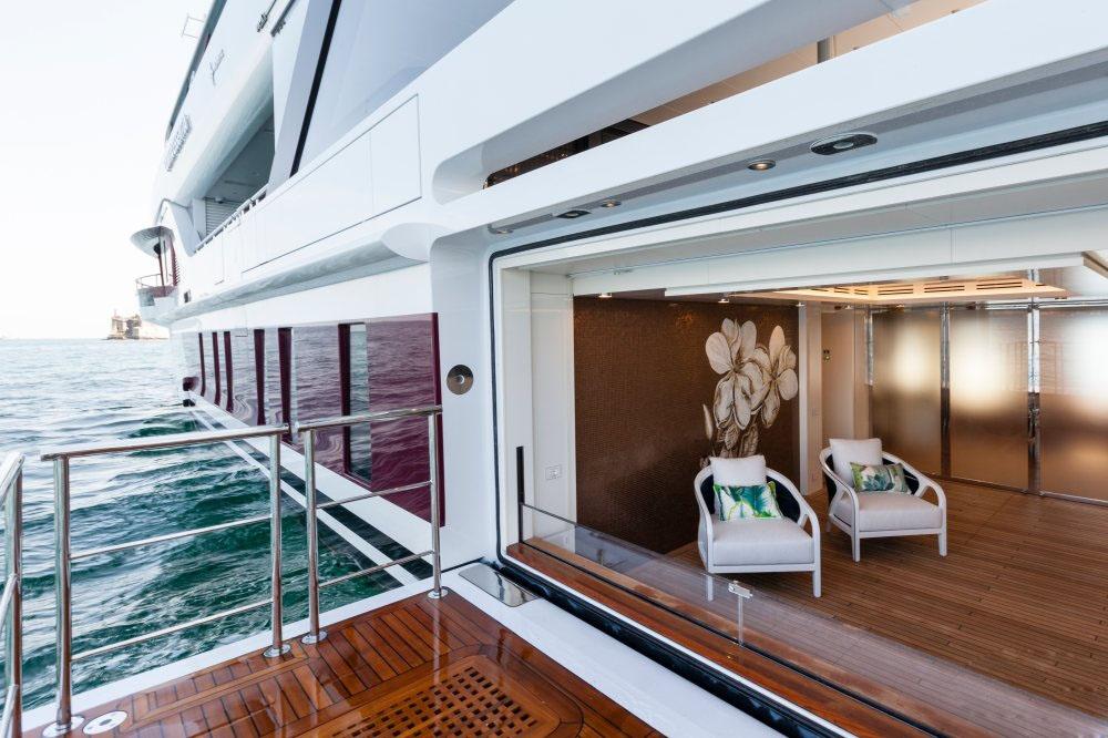 私人游艇意大利混合动力艇 Admiral Quinta Essentia55米 大图11