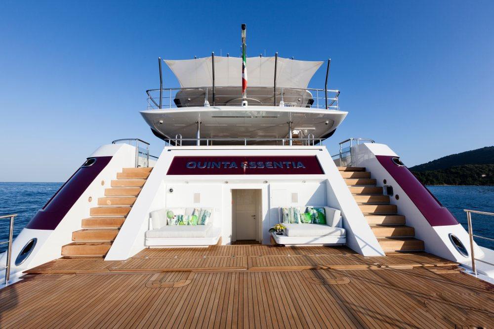 私人游艇意大利混合动力艇 Admiral Quinta Essentia55米 大图12