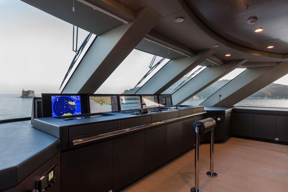 私人游艇意大利混合动力艇 Admiral Quinta Essentia55米 大图14