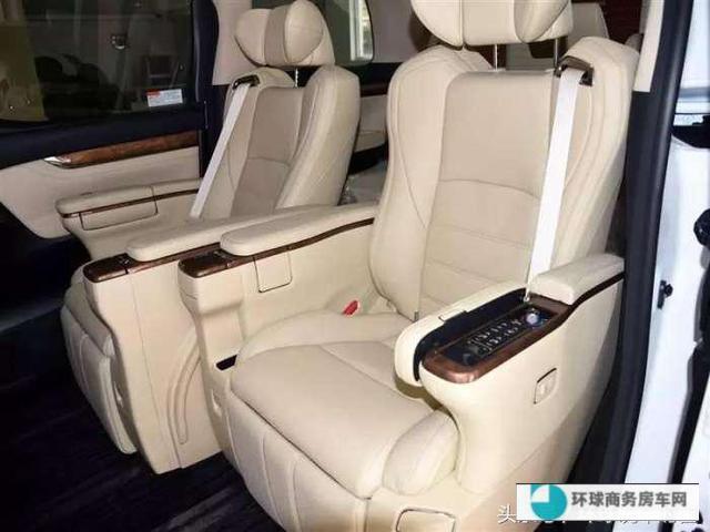 大众T6迈特威对比丰田埃尔法,科技感与舒适度你选谁