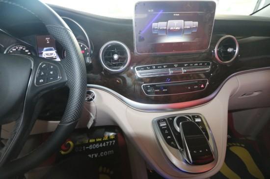 上海奔驰V260 V-CLASS商务车展厅热销